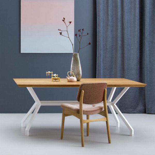 dizajnerska jedilna miza NORMAN