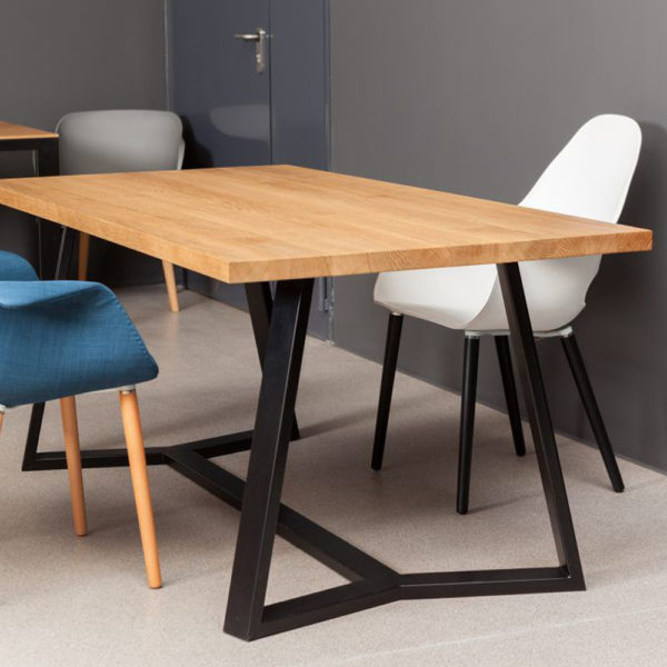 VERTICO-masivna-jedilna-miza